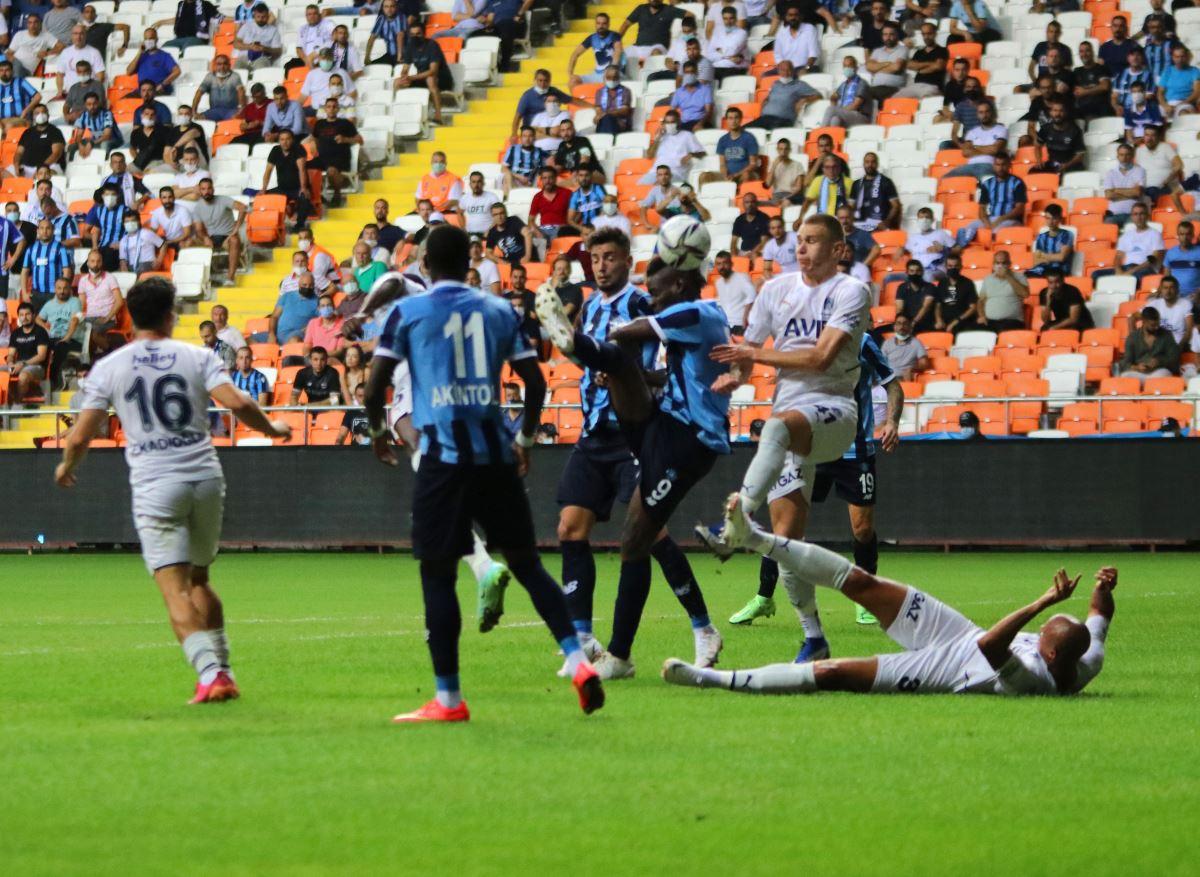 <p>Mücadeleden 1-0 galip ayrılan Fenerbahçe'nin golünü 46. dakikada Mesut Özil kaydetti. İkinci yarı başlar başlamaz İrfan Can'ın pası ile topla buluşan Mesut Özil topu ağlarla buluşturdu.</p>