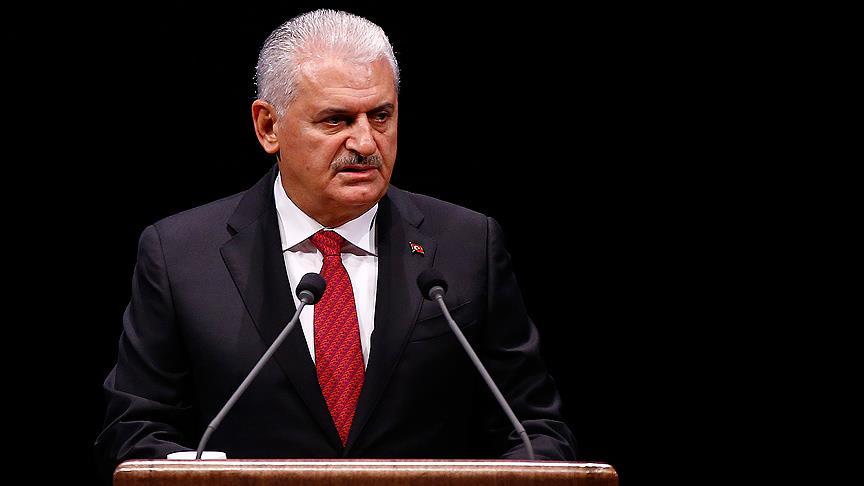 """<p><strong>SUÇ DUYURUSU DİLEKÇESİNDEN</strong></p><p>Erkam Yıldırım, Sedat Peker'in kendisine yönelik açıklamaları üzerine, avukatı Muhammed Gök aracılığıyla Anadolu Cumhuriyet Başsavcılığına suç duyurusunda bulunmuştu.</p><p>Dilekçede yurt dışında kaçak olan organize suç örgütü lideri Peker'in YouTube adlı sosyal paylaşım sitesinden 23 Mayıs'ta bir video yayınlayarak Erkam Yıldırım hakkında birden çok iftira, itham ve isnatlarda bulunduğu belirtilmişti.</p><p>Söz konusu paylaşımdaki video içeriğindeki konuşmalara yer verilen dilekçede, """"<strong>Bunun Erkam Yıldırım'ı karalamaya yönelik, toplumun gözünde ön yargılı ve yanlış bir algı oluşturma gayreti taşıyan, açıkça hakaret ve iftira içeren bir paylaşım olduğu izahtan varestedir. Bu paylaşım müvekkilimizin şahsiyetinde derin yaralar oluşturmuş ve kişilik haklarını da haksız bir şekilde ihlal etmiştir. Müvekkilim, deniz ticareti alanında saygın bir iş adamıdır. Bahsi geçen videoda müvekkilim Erkam Yıldırım'ın doğrudan şahsının hedef alındığı ve kişilik hakkının ihlal edildiği aşikardır.</strong>"""" denilmişti.</p>"""