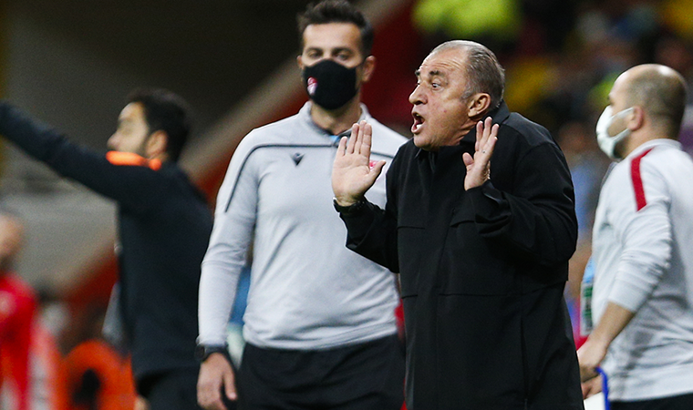 <p>Ligdeki ilk mağlubiyetini geçtiğimiz hafta Alanyaspor karşısında alan sarı-kırmızılıların, Kayserispor mücadelesi önce 2 galibiyet, 2 beraberlik bir de mağlubiyeti bulunuyordu.Bugünkü mağlubiyet ile Galatasaray 8 puanda kaldı.</p>