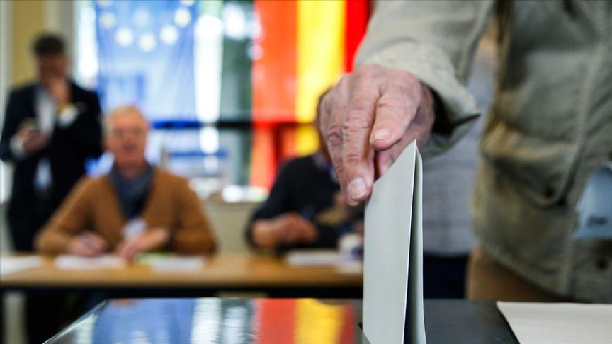 <p>Oy kullanma işlemi yerel saatle 08.00'de başladı ve 18.00'de sona erdi.</p>