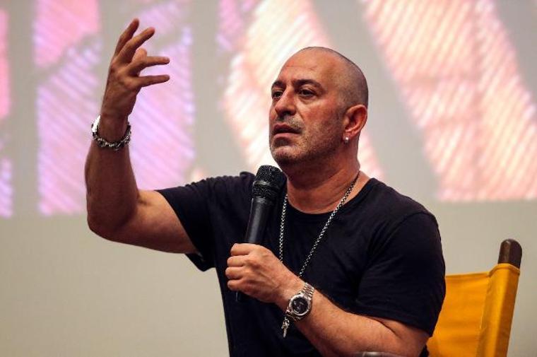 Cem Yılmaz: Filmimi alıp çadır tiyatrolarında Anadolu'yu gezebileceğimi düşünüyorum!