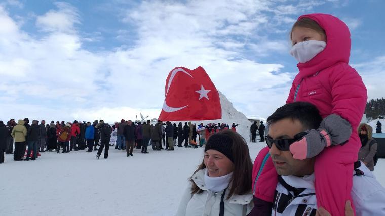 Sarıkamiş Haberleri: Şehit Mehmetçiklerin kardan heykellerine yoğun ilgi 35