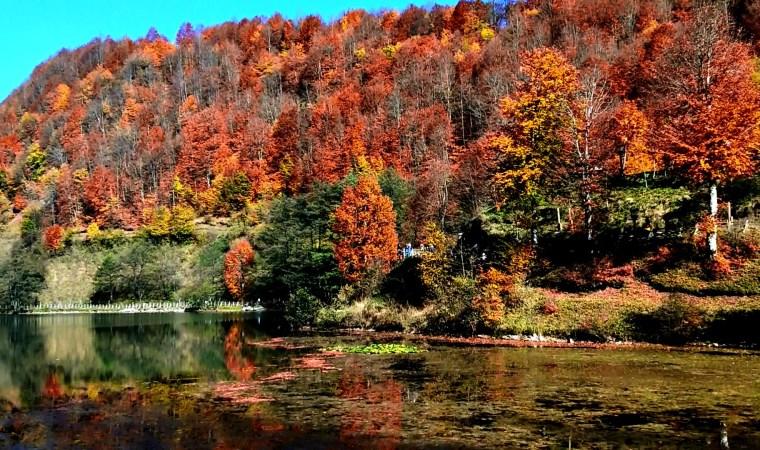 Ulugöl'de sonbahar güzelliği