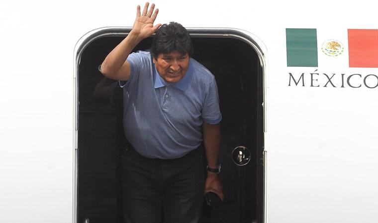 Morales Meksika'da, ordu sokakta...