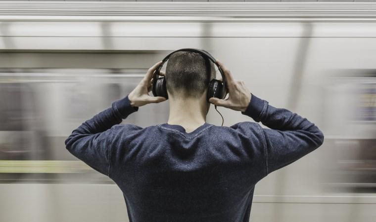 Kulaklık takanlar dikkat