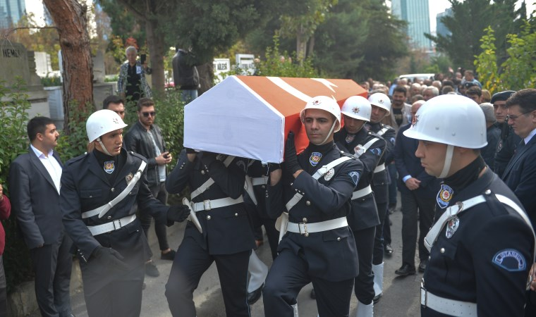 'Hocaların Hocası' Mümtaz Soysal son yolculuğuna uğurlandı