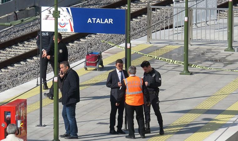 Kartal'da raylara düşen yaşlı adam tren altında kaldı