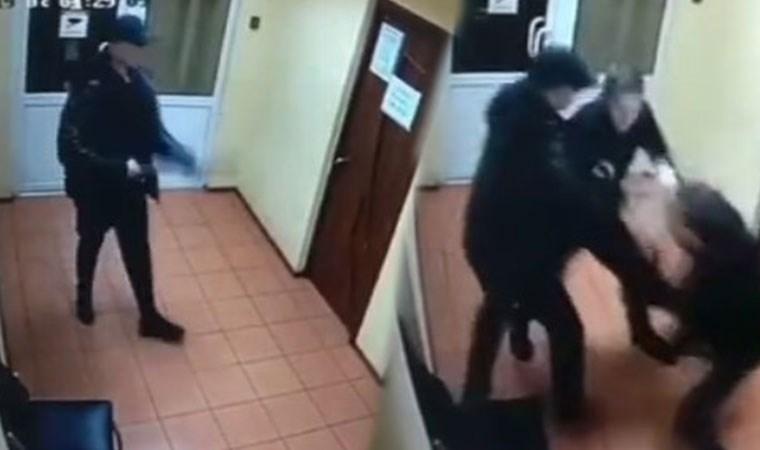 Bardan kovulan alkollü adam pompalı tüfek ile dehşet saçtı!