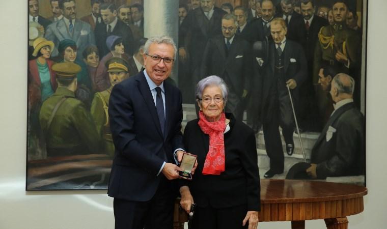 İstiklal Madalyası bankaya bağışlandı