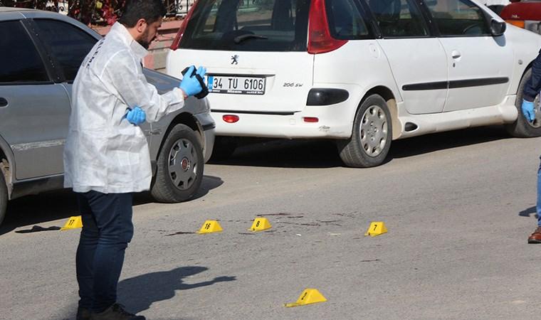 Adliye önünde silahlı kavga: Ölü ve yaralılar var