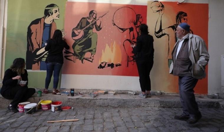 Diyarbakır sokaklarında küfür gitti sanat geldi