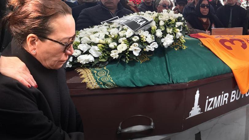 Demet Akbağ'ın eşi Zafer Çika'nın cenaze töreni sonrasında şoke eden olay!