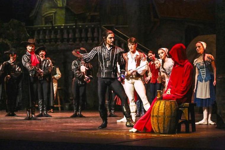 Üç Silahşor Balesi Zorlu'da sahnelendi