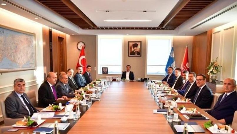 """Ekrem İmamoğlu: """"Cumhurbaşkanı Erdoğan o kişileri gözden geçirsin"""""""