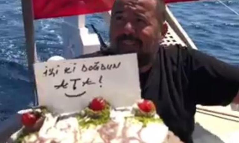 Ata Demirer'den kısa film tadında doğum günü videosu