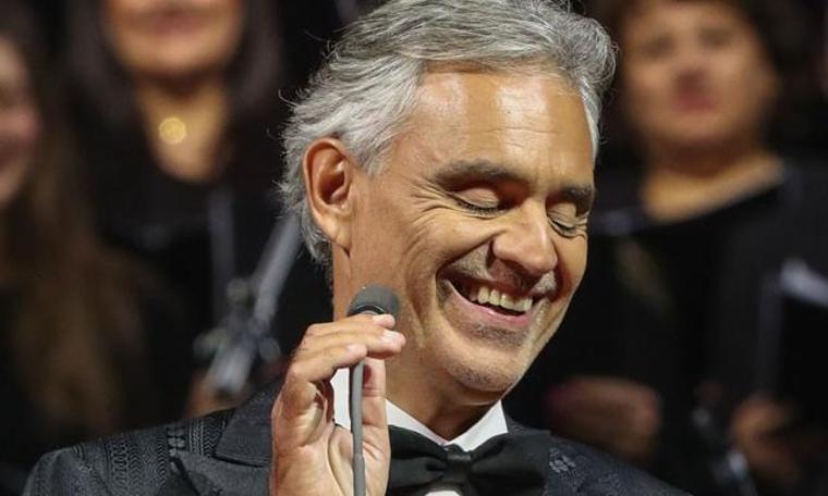 Bocelli'yi evinde dinlemek
