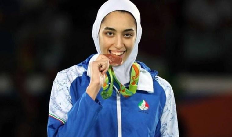 İran'ın olimpiyatlarda madalya kazanan tek kadın sporcusu ülkesini terk ettiğini açıkladı