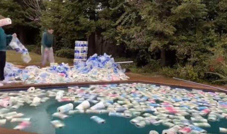YouTuber'dan tepki çeken video: Havuzdaki suyu emmek için kaç rulo kağıt havlu gerekir?