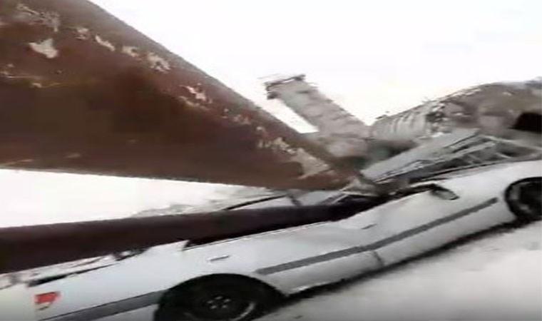 Bir anda aracının üzerine devrildi!