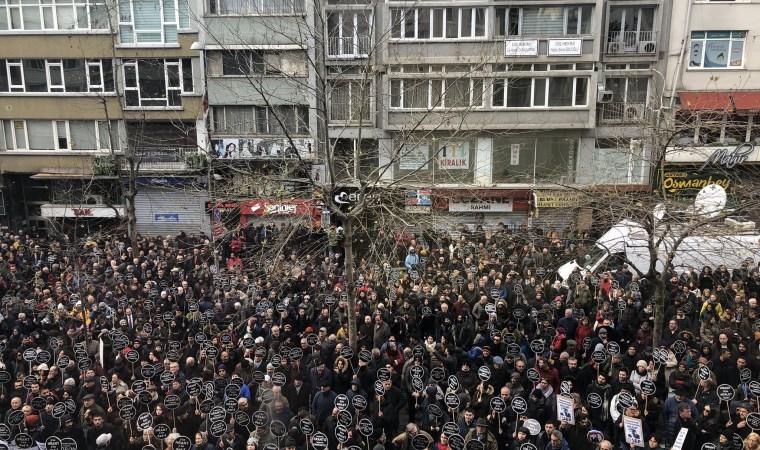 Hrant Dink vurulduğu yerde anılıyor