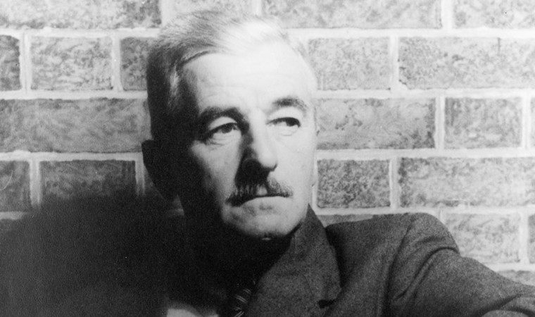 William Faulkner'den 'Emily'ye Bir Gül'