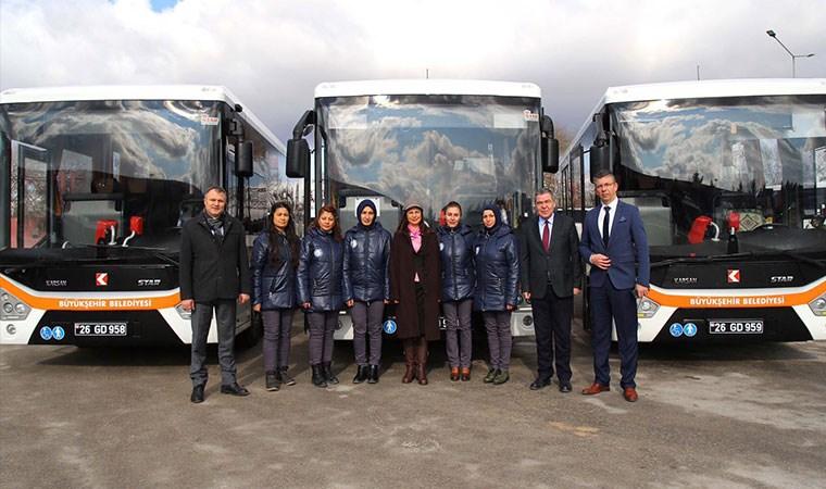 Eskişehir'in ilk kadın otobüs şoförleri direksiyona geçti