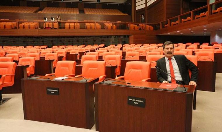 Meclis'te tek başına!