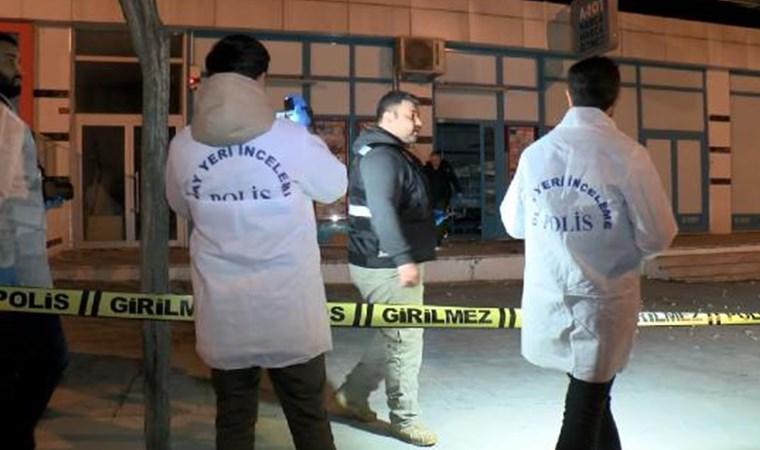 İstanbul'da markete el yapımı patlayıcı atıldı