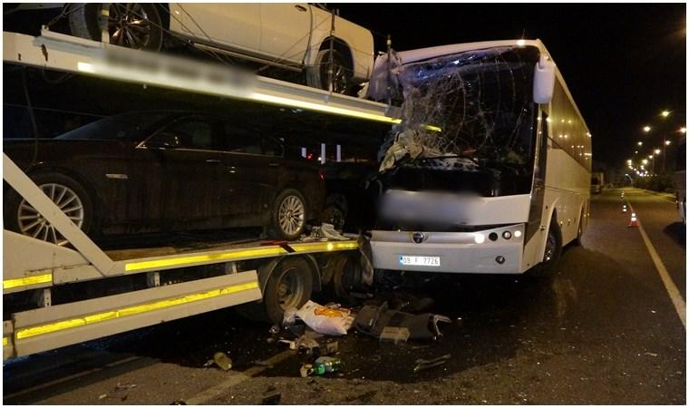 Uşak'ta yolcu otobüsü kaza yaptı: Yaralılar var