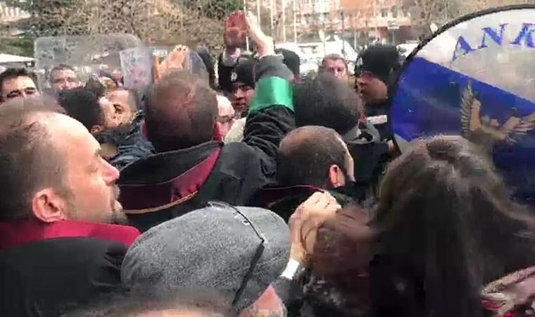 Avukatların basın açıklamasına polis müdahalesi