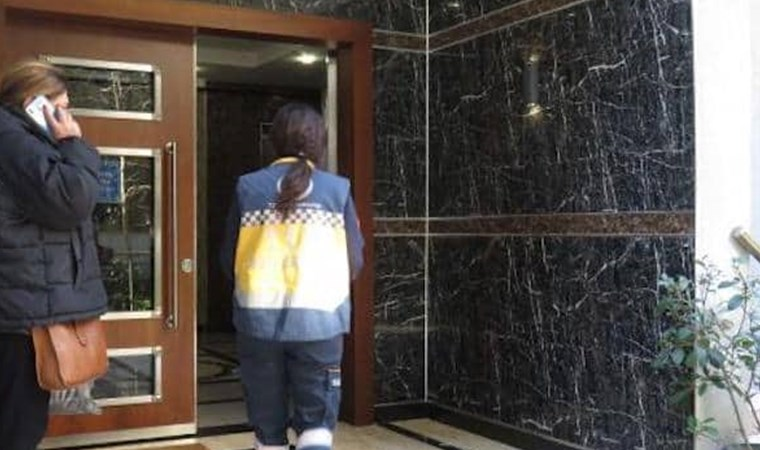 Kadıköy'de apartman boşluğuna düşen işçi hayatını kaybetti