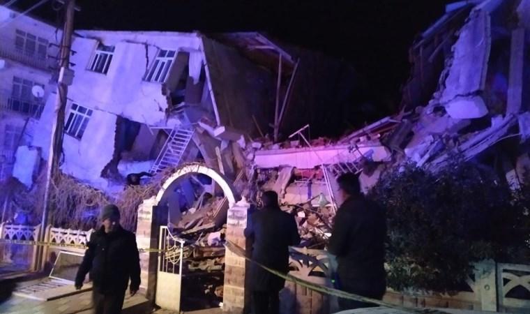 Deprem bölgesinden çarpıcı görüntüler