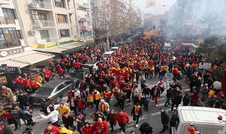 Binlerce Göztepeli yeni stada yürüdü