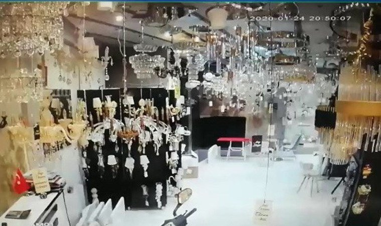 Elazığ depreminin şiddetini gösteren en net görüntüler!