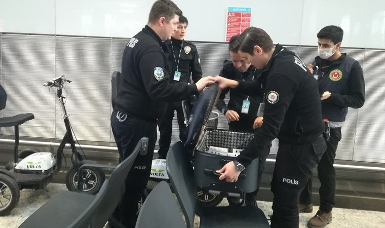 İstanbul Havalimanı'nda yolcunun valizinden çıktı, cezası 94 bin 600 lira!