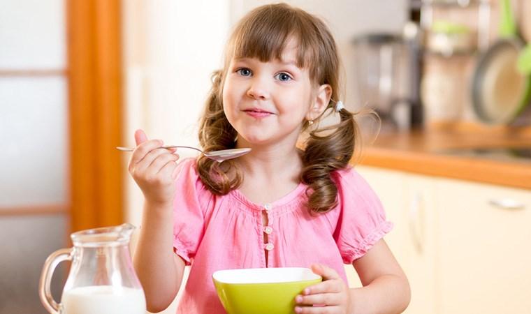 Çocuklar için ev yapımı 8 atıştırmalık önerisi