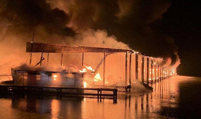 ABD'de marinada yangın: 8 ölü