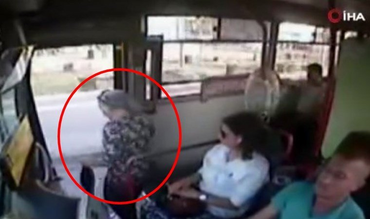 Yaşlı kadın otobüsten böyle düştü!