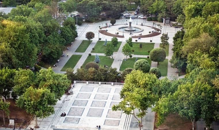 Gezi Parkı'nda kuruyan ağaçlar sökülecek