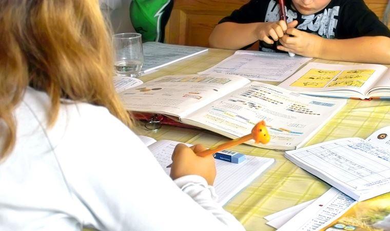 Yeni araştırma: El ile yazmak, çocukları daha akıllı yapıyor