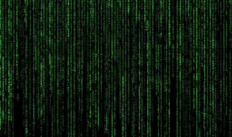 Bilim insanları hesapladı: Matrix'tekine benzer bir simülasyonda olma ihtimalimiz var mı?