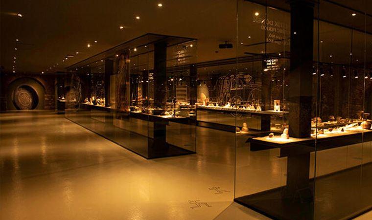 Anadolu'nun dokuz bin yıllık tarihini gündelik eşyalara bakarak anlamak için Rezan Has Müzesi'ndeki sergiyi gezmeli...