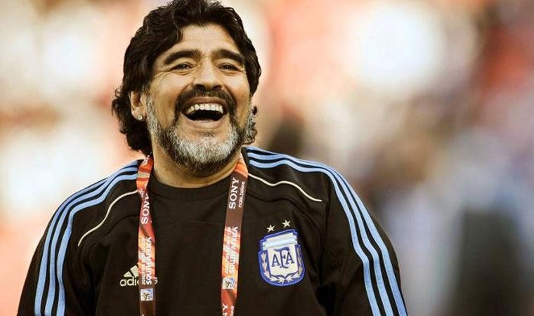 UEFA, Maradona için bir dakikalık saygı duruşu yapılacağını açıkladı