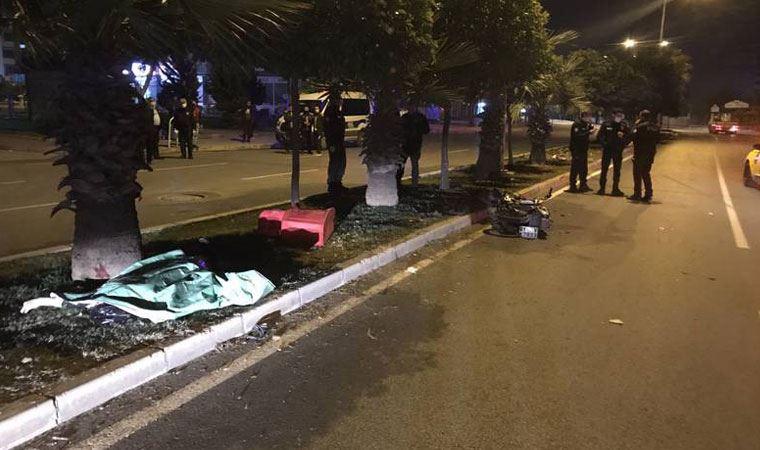 Adana'da motosiklet devrildi: 1 ölü, 2 yaralı