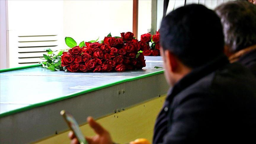 Çiçekçilerin '14 Şubat' mesaisi