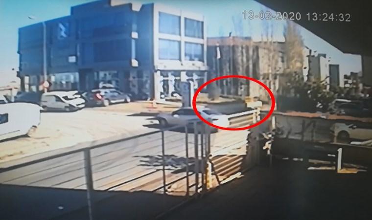 Kaza yapan araç takla attı: O anlar kamerada