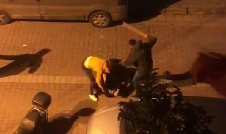 Avcılar'da sopalı, sandalyeli kavga kamerada