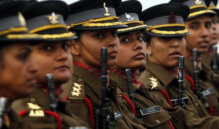 Hint ordusunda kadın subaylar eşit haklara sahip olacak