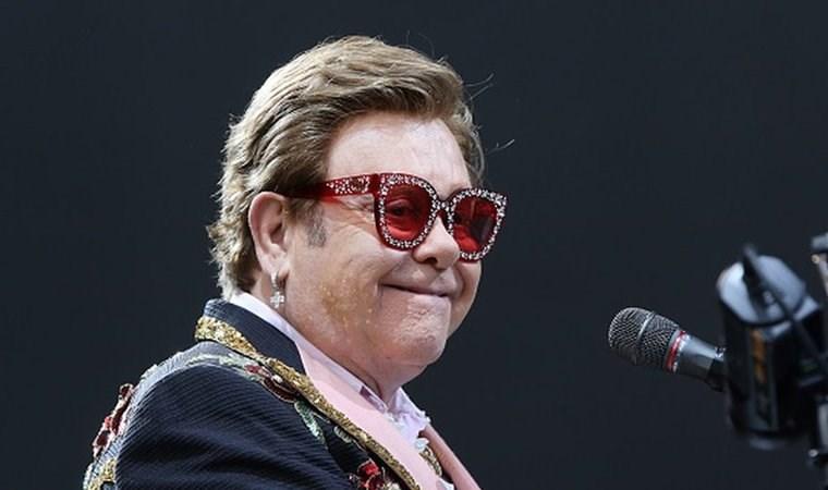 Zatürre olan Elton John, 'Şarkı söyleyemiyorum' diyerek ağladı ve konserini yarıda kesti