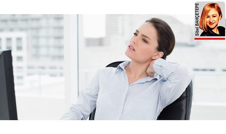 Ofis ortamında çalışken hareketsiz kalmak sakatlığa yol açabilir